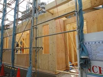 1階壁パネル東側1.JPG