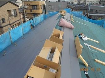 ⑬.屋根ガルバリウム鋼鈑葺き.JPG